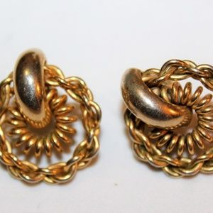 dca38aee3c04d Vintage Gold Tone Unusual Earrings E25